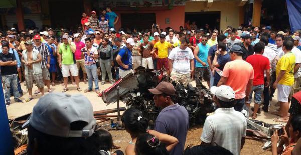Una avioneta cae en el mercado de Santa Ana del Yacuma y causa 6 fallecidos