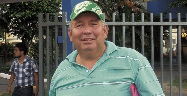 Este señor dice ser el dueño del cisterna, José Luis Aldunate