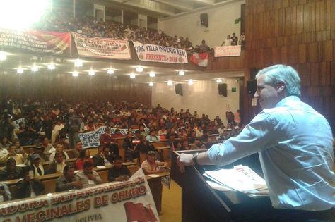 El vicepresidente Álvaro García en el ampliado de la Confederación Nacional de Juntas Vecinales (Conaljuve)