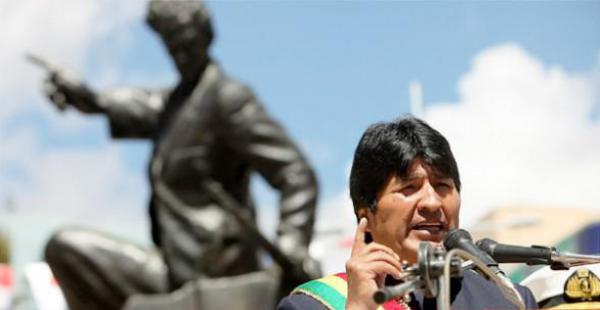 El primer mandatario acusó a las autoridades de Chile de asumir actitudes dilatorioas y garantizó que por derecho Bolivia retornará a las costas del Pacífico.