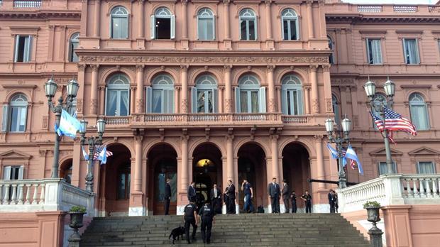 Fuerte operativo de seguridad en La Rosada para recibir a Barack Obama que se reunirá con Mauricio Macri