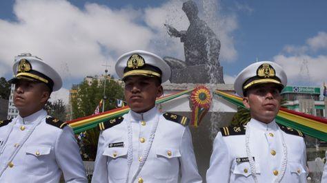 Efectivos de la Armada durante los actos por el Día del Mar