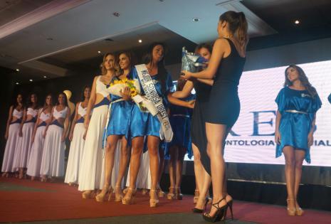 Dayana Romero ganó el título de mejor Sonrisa Orest