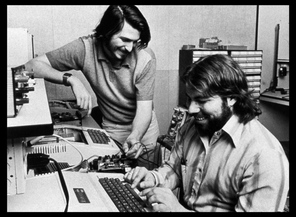 Steve Jobs junto a Steve Wozniak durante los primeros años de Apple.