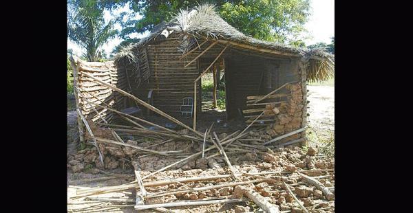 La choza de una familia fue destruida totalmente por maquinaria en Taperas II