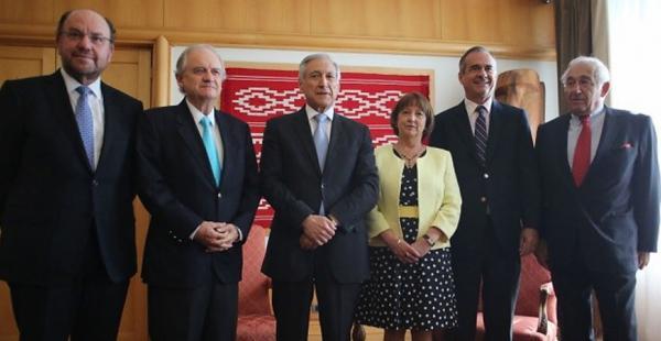 Los exjefes de la diplomacia del vecino país sostuvieron una reunión para analizar la arremetida boliviana.