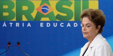 La presidenta Dilma Rousseff perdió el respaldo del PMDB y aumenta la posibilidad de que pueda enfrentar el impeachment.