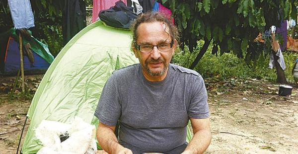 """Samy Schwartz """"Mi religión judía, una de las más castigadas, hizo que yo me dedique a mostrar el sufrimiento del pueblo indígena a través de la fotografía. Solo me gusta figurar mostrando un hecho  noticioso"""""""