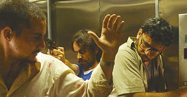 La película El ascensor, de 2009, dirigida por Tomás Bascopé, es una de las últimas producciones cruceñas que tuvo éxito de público y crítica