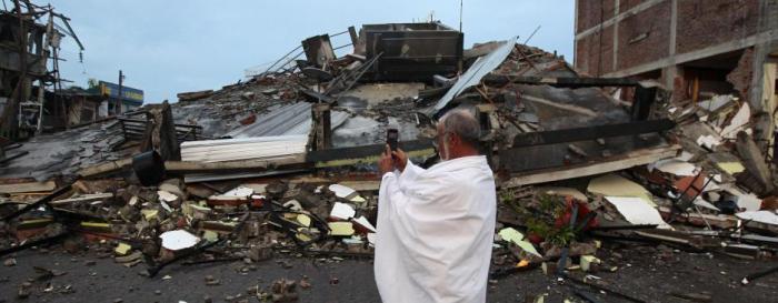 Los habitantes de Pedernales tomaron fotografías de lo ocurrido tras el sismo de 7.8 grados. Foto: EFE