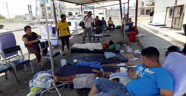 Los hospitales atienden decenas de heridos que fueron afectados por el terremoto