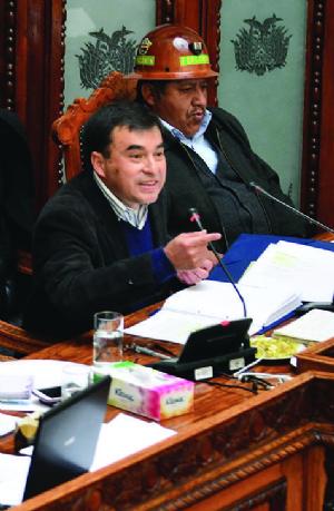 Oficialismo sostiene que no hubo razones para censurarlos