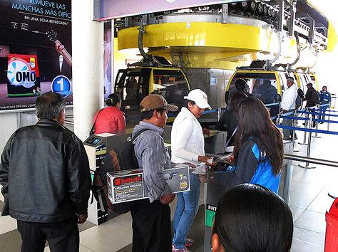 Demanda. Estación de la Línea Amarilla en Obrajes, que tiene el récord de llevar 76.413 en un solo día en 2014.