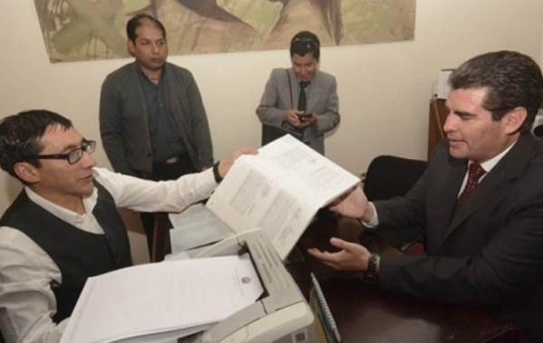 Constitucionalista advierte discriminación en exigencia de idioma nativo para postulantes a Defensor