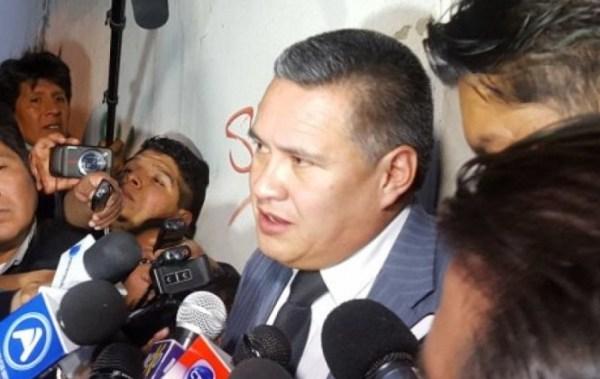 Abogado León asegura que vio al hijo de Evo Morales y Gabriela Zapata