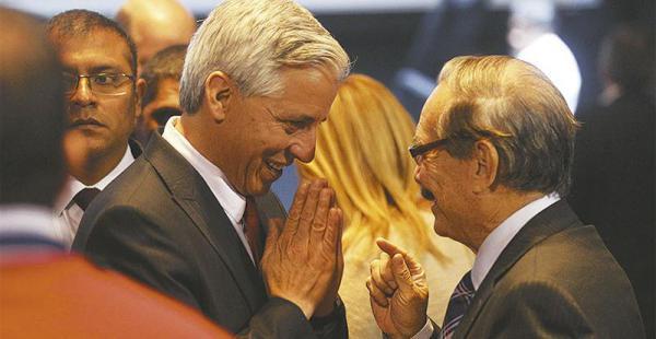 El vicepresidente, Álvaro García Linera, oyó experiencias de algunos empresarios que llegaron del exterior