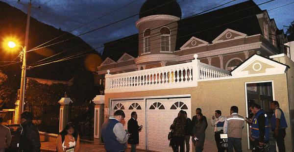 Zapata vivía en una casa que perteneció a Guillermo Fortún. Pagó un anticrético de más de $us 200.000