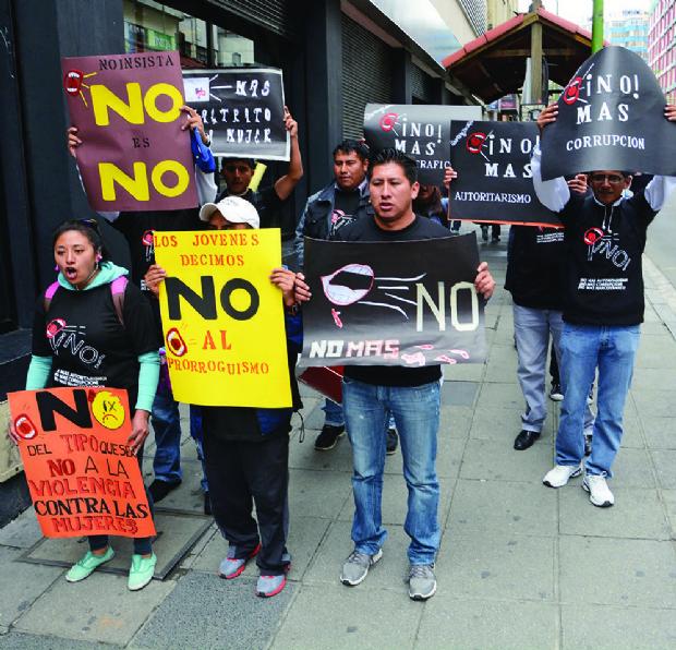Opositores ven que Evo tiene la intención de ir a otra reelección