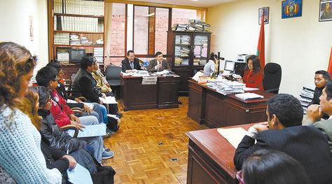Juzgados. La audiencia cautelar del caso Fondioc desarrollada ayer a cargo de la jueza Lía Cardozo (der.).