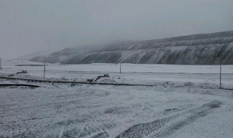 Imagen referencial de una nevada registrada en agosto del pasado año en la Minera La Escondida de Antofagasta, Chile. Foto: www.puranoticia.cl