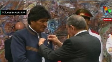 """El presidente Evo Morales es distinguido con la Orden Nacional """"José Martí"""" en Cuba"""