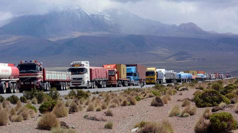 Bloqueo del transporte pesado en la zona fronteriza de Tambo Quemado