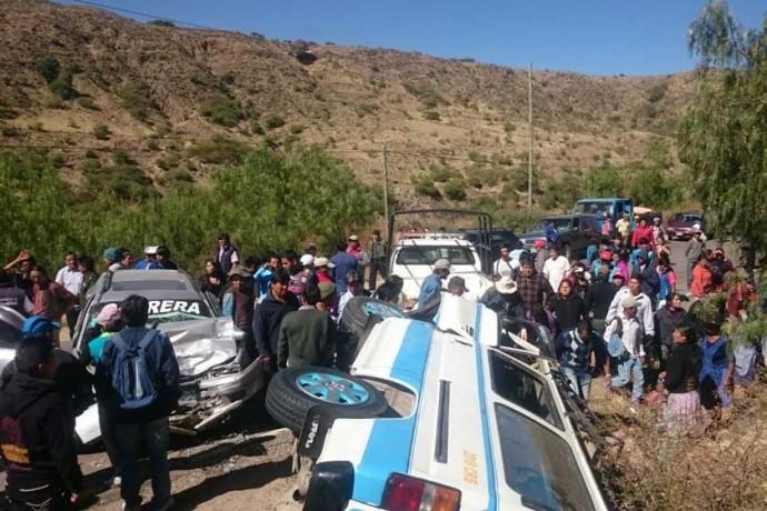 ACCIDENTE. Los dos vehículos quedaron con daños materiales de consideración.