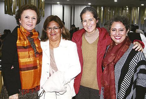 Ingrid Steinbach, Carmen Santander, Gloria Ugarteche y Milka Costas