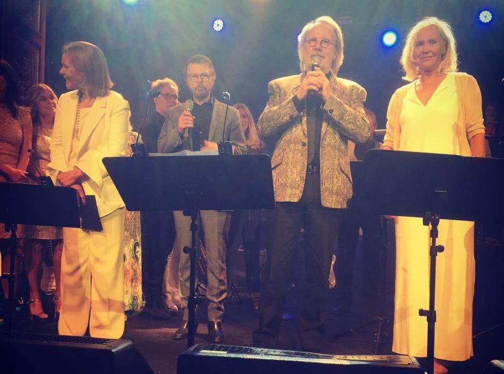 ABBA se une de nuevo para cantar una sola canción