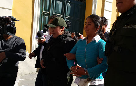 La exdirectora de la Unidad de Gestión Social del Ministerio de la Presidencia, Cristina Choque, es trasladada a la cárcel de Obrajes. Foto: La Razón - archivo
