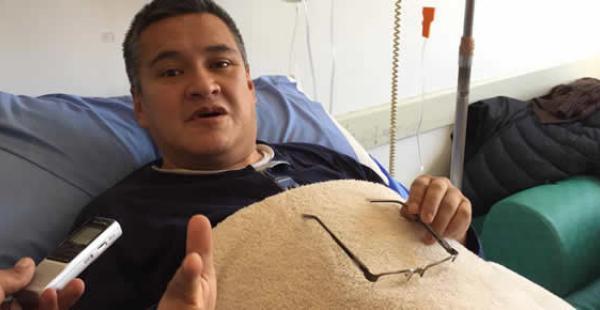 El jurista permanece internado en el Hospital de Clínicas de La Paz y se realizarán más estudios por su salud.