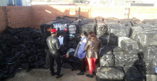440 fardos de ropa usada fueron decomisados por la Aduana