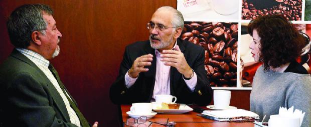 """Carlos Mesa: """"Periodistas y  medios estamos viviendo una sensación de miedo"""""""