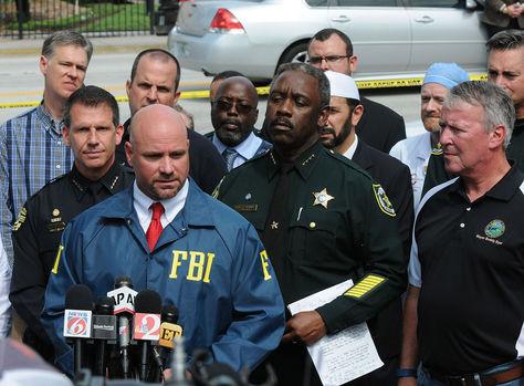 Autoridaes del FBI y la Policía Federal de Orlando brindan un reporte oficial.