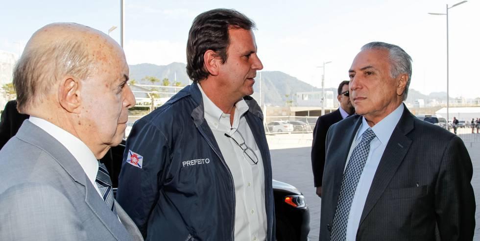 El gobernador del Estado de Río, el alcalde de la ciudad y el presidente interino Michel Temer.