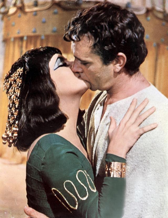 Cleopatra y Marco Antonio o lo que es lo mismo, Elizabeth Taylor y Richard Burton.