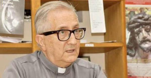 El sacerdote jesuita Miguel Manzanera