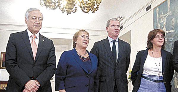 La delegación chilena que acudió a La Haya por la demanda marítima