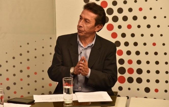"""Exministro Groux advierte que tras el caso Zapata los periodistas deben """"asumir las consecuencias"""""""