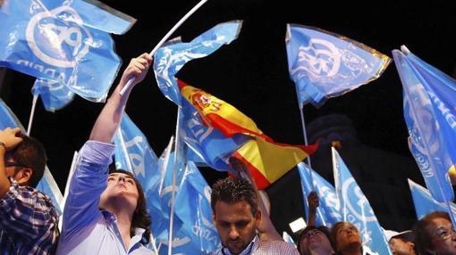 Alegría en Génova por la victoria del PP