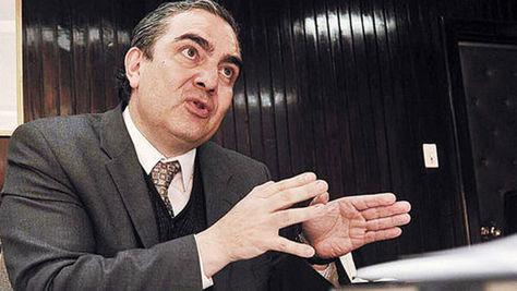 El ministro de Autonomías, Hugo Siles.