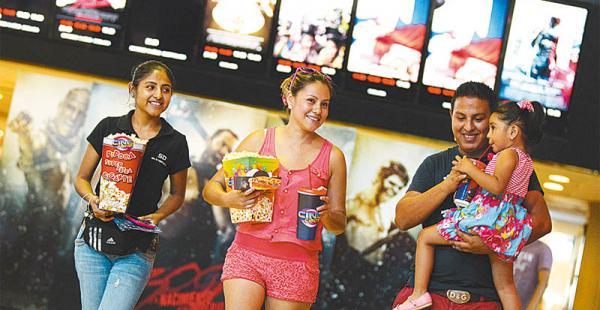 AUDIENCIA. El cine es uno de los entretenimientos favoritos de los bolivianos es por eso que este tema ha generado gran expectativa