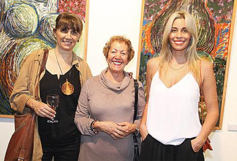 amigas. Ejti Stih, Diana Bendeck y Helga Prinz