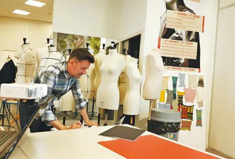 APRENDIENDO DE LOS EXPERTOS. Las clases son en boutiques, galerías, talleres y museos