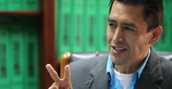 Miguel Cadima hizo campaña con un megáfono y se ganó la preferencia de los estudiantes