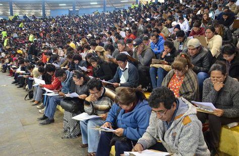 Maestros durante el examen de ascenso en Cochabamba el pasado 7 de julio. Foto: Fernando