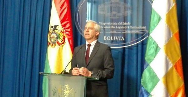 El vicepresidente Álvaro García en conferencia de prensa en La Paz.