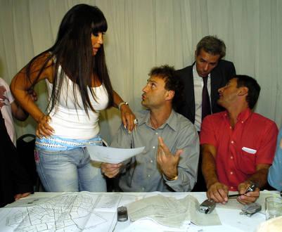 Moria junto a Ferrer Vázquez, en octubre de 2005 en el teatro Broadway. (Carolina Pierri)