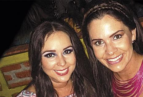 Leda Ibarneragay y Vanessa Landívar. 'Vane' (dcha.) vive en Perú, pero se mantiene conectada todos los días con su gran amiga. Hace poco se reencontraron en un viaje a Cancún