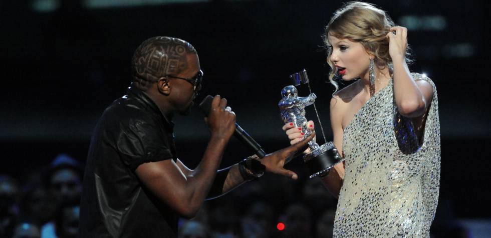 Kayne West y Taylor Swift, en la entrega de los MTV Video Music Awards en 2009.